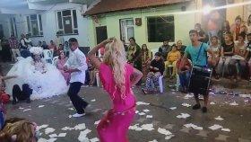 Roman Gençlerin Çiftleşme Dansı (Ağır Roman İçerir)