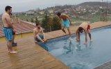 10 Derecede Buz Tutmuş Havuza Giren Yurdum İnsanı