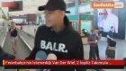 Fenerbahçe'nin İstemediği Van Der Wiel, 2 İngiliz Takımıyla Görüşüyor