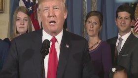 Donald Trump'ın Konuşmasına Gizemli Kadının Damga Vurması