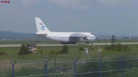 Dünyanın En Büyük Uçaklarının İniş Ve Kalkışları