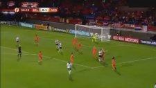 Yanlışlıkla Gol Atan Kadın Futbolcu