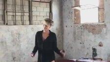 60 Yaşındaki Sharon Stone'dan Yürek Hoplatan Dans