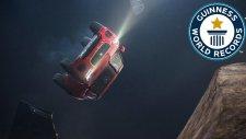 Jaguar E-Pace Havada Takla Atarak Rekor Kırdı