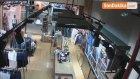 Bursa'da Aile Görünümü Verip Çocuğa Hırsızlık Yaptırmaları Kameralara Böyle Yansıdı