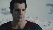 Süpermen'in İlk Uçuşu - Man of Steel