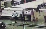 Fabrikadaki Korkunç Kaza  Çin