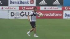 Alvaro Negredo'dan Beşiktaş idmanında aşırtma gol