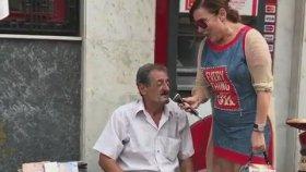 Deniz Seki Sokak Müzisyeni İle Düet Yaptı