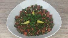 Acılı Ezme Salatası Tarifi - Yemek Tarifleri - Salatalar   Şevval'in Sihirli Elleri
