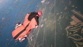 Ayaklarına Takılan Jet Motoruyla Gökyüzünde Süzülen Adam