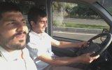 Görme Engelli Adama Araba Sürdürmek  Adana