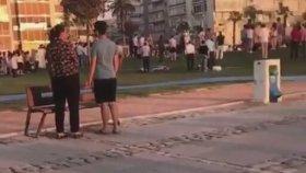 İzmir Kordon'da İstiklal Marşı Okunursa