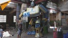 Arabasını Transformers'a Çeviren Heykeltıraş
