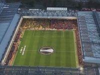 Liverpool & Dortmund Taraftarlarından You Never Walk Alone