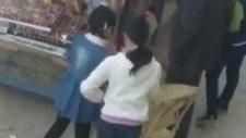 Çocuklara Şeker Verip Kandıran Pedofilik Sapık