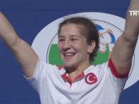 Yasemin Adar 75 Kiloda Dünya Şampiyonu
