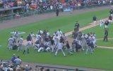 Beyzbol Sahasının Savaş Alanına Dönmesi