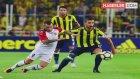 Vardar Maçından Sonra Ağlayan Fenerbahçeliyi, Polis Memuru Teselli Etti